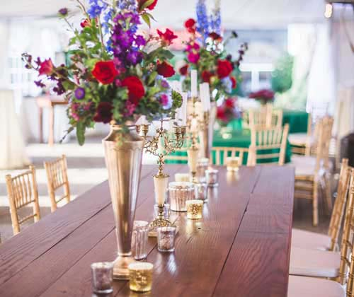 Gorgeous venue with beautiful centerpieces.